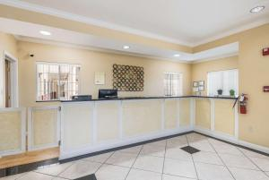 The lobby or reception area at Econo Lodge Inn & Suites Bryant
