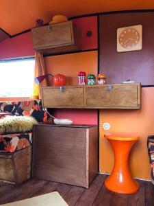 Hall ou réception de l'établissement Camping et caravanes dhotes à la ferme chez l'habitant