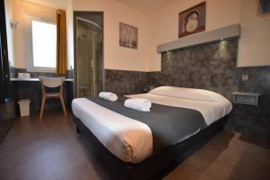 A room at Face West Le Pontet
