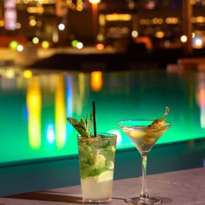 Drinks at Canvas Hotel Dallas