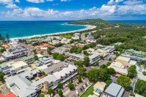 A bird's-eye view of Byron Bay Hotel and Apartments