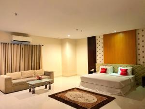 A room at Ameera Hotel