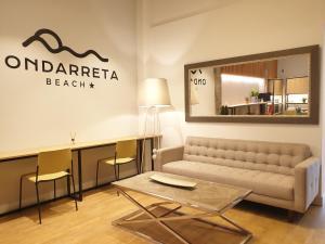 El vestíbulo o zona de recepción de Hotel Ondarreta Beach