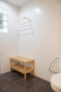 A bathroom at Wow Hostel Barcelona