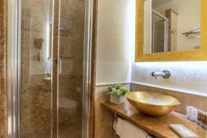 A bathroom at Hotel Forum