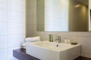 A bathroom at Civitel Attik