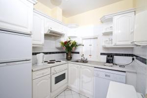 Küche/Küchenzeile in der Unterkunft Oliver St. John Gogarty's Hostel