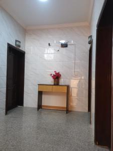 O saguão ou recepção de للعوائل فقط Al Shadi Apartments 2