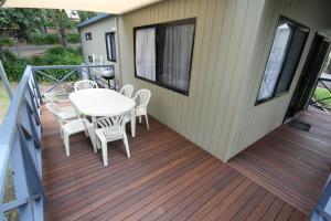 A balcony or terrace at Metung Holiday Villas