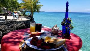 Drinks at Moalboal T Breeze Coastal Resort