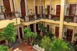 A balcony or terrace at Hotel San Francisco Plaza
