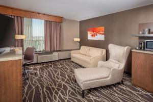 The lounge or bar area at DoubleTree by Hilton San Bernardino