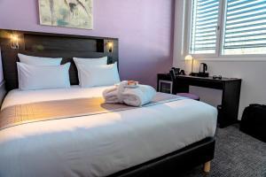 A room at Nash Pratik Hotel