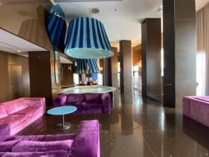 The lounge or bar area at iH Grande Albergo Delle Nazioni