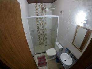 A bathroom at Ilha Grande Mar