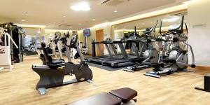 The fitness center and/or fitness facilities at Crowne Plaza Nottingham, an IHG Hotel