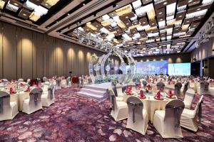 A restaurant or other place to eat at Hotel Equatorial Shanghai