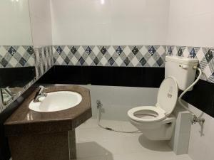 A bathroom at Hotel Mount Way