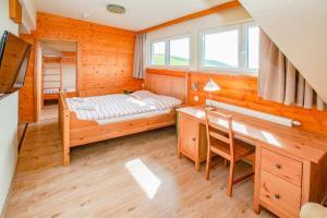 A room at Kinderhotel Schneekönig