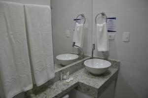 A bathroom at Bristol Aline
