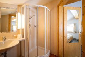 A bathroom at Haus Rosmarie