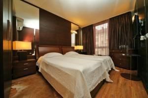Легло или легла в стая в Хотел Акре