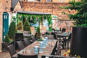 A restaurant or other place to eat at The Townhouse Chester; BW Signature Collection