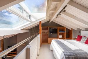 A bunk bed or bunk beds in a room at Cabañas Puerto Pireo