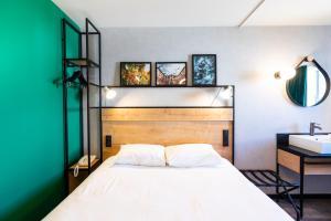 A room at Ibis Pau Centre