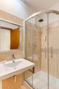 A bathroom at Smy Area Roma