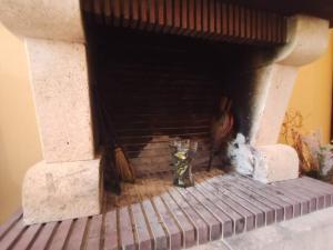 """Un patio o zona al aire libre en Alojamiento rural """"LA JARA"""""""