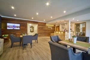 The lounge or bar area at Gästehaus Huber - Hotel Garni