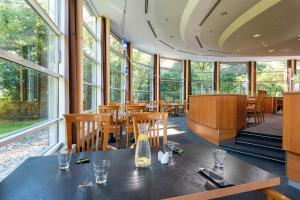 A restaurant or other place to eat at Seminaris SeeHotel Potsdam