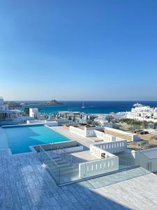 Piscine de l'établissement The George Hotel Mykonos ou située à proximité