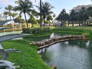 Um jardim em Ocean Front Resort