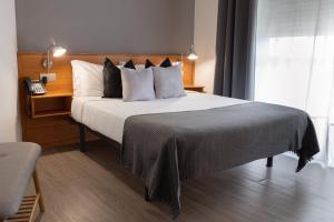 A room at Hotel Carlos 96