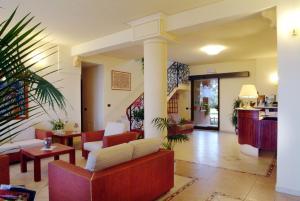 Hall o reception di Hotel Parco delle Cale