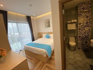 A room at Euro Star Riverside Hotel