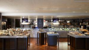 A restaurant or other place to eat at Grand InterContinental Seoul Parnas, an IHG Hotel