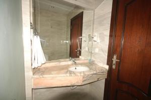 O baie la Sharah Mountains Hotel