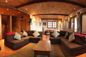 The lounge or bar area at Chalet Charline