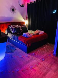 A room at douceur d'une nuit ( studio jaccuzi )