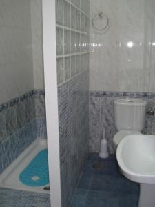 A bathroom at Pensión Bienvenido