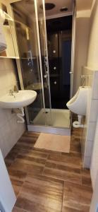 A bathroom at Restaurant Haus Medaillon