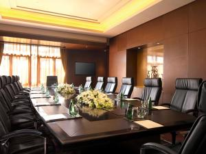 Het zakengedeelte en/of de vergaderruimte van DoubleTree By Hilton Jiaxing
