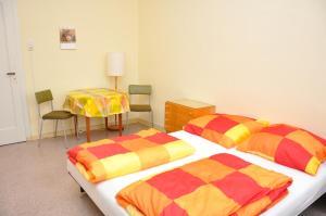 Ein Bett oder Betten in einem Zimmer der Unterkunft Hostel Herberge Werratal