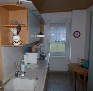 Küche/Küchenzeile in der Unterkunft Ferienwohnung Thale