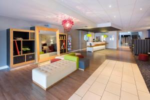 The lobby or reception area at Holiday Inn Liverpool City Centre, an IHG Hotel
