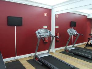 O centro de fitness e/ou as comodidades de fitness de Hotel Monaco