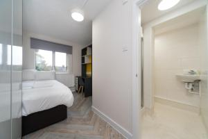A room at Nice Ensuite Room - Good Area - Quick Links Central